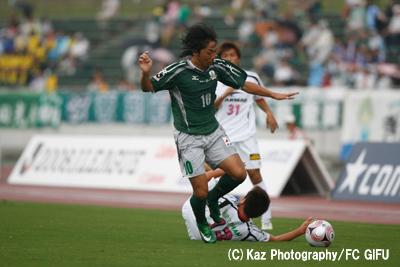 FC岐阜_大阪2_藤田_D1_0314のコピー.jpg